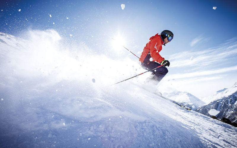 Skifahren im Skigebiet Sölden